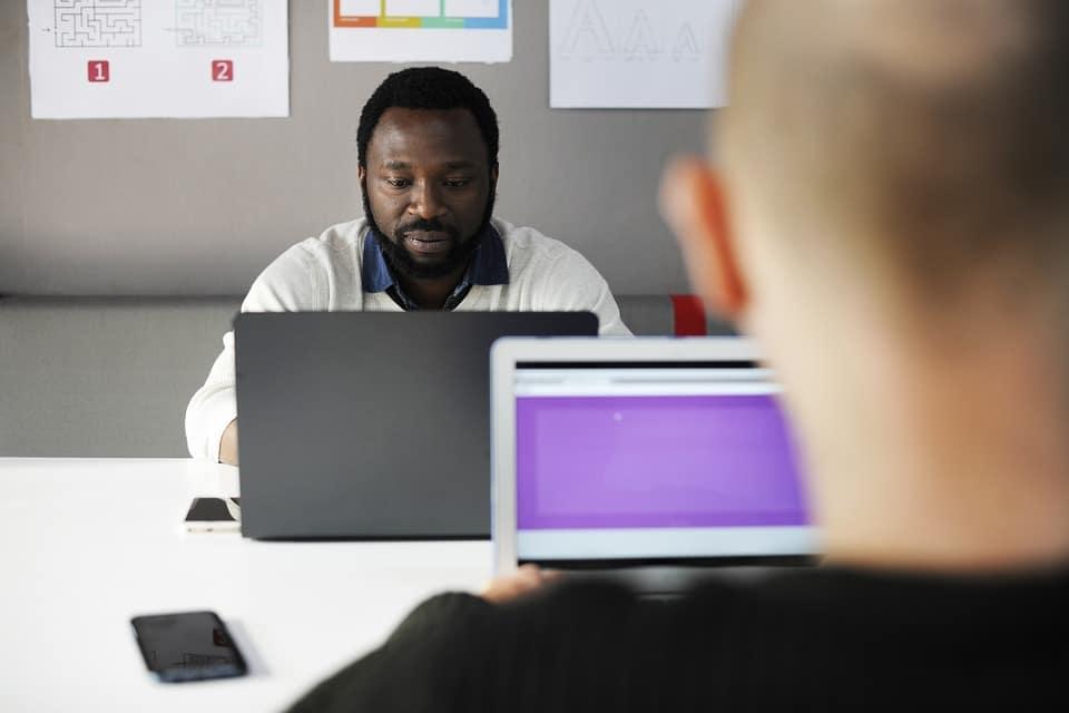 chef de projet écran ordinateur